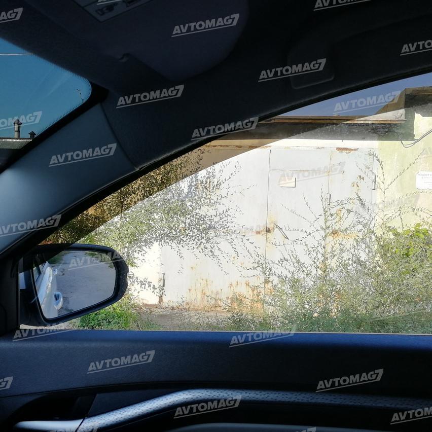 Дефлекторы окон (ветровики на окна автомобиля) вид из салона, просвечиваемость